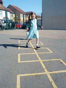 Hopscotch_in_schoolyard